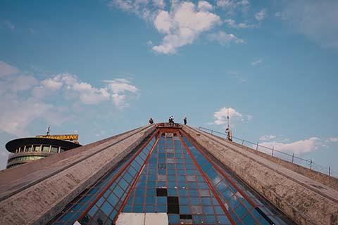 La pyramide de Tirana