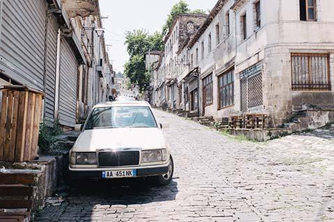 Dans les rues de Gjirokastër