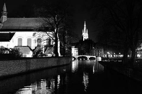 Bruges et ses canots