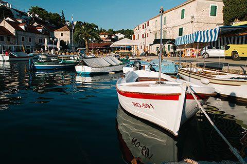 Le port de l'île de Solta