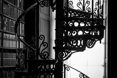 Escalier dans The Old Library à Dublin