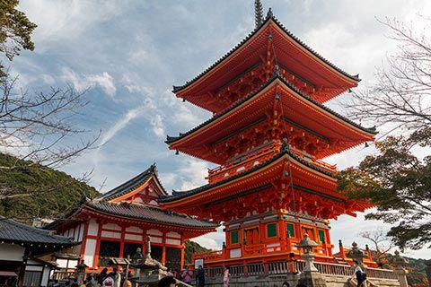 Pagode à l'entrée du Kiyomizu-dera