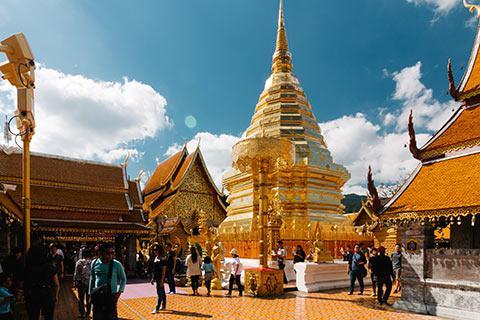 Le fameux et clinquant Wat Phra That Doi Suthep
