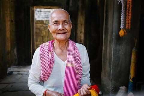 Rencontre dans un temple de la cité d'Angkor