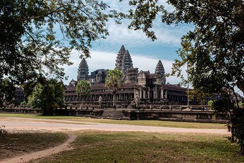 Le temple d'Angkor Wat côté forêt